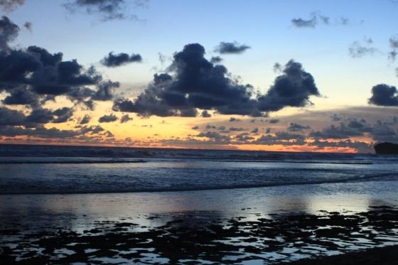 Sunset di Pantai Indrayanti (Foto: Seno Aji Darmasto)